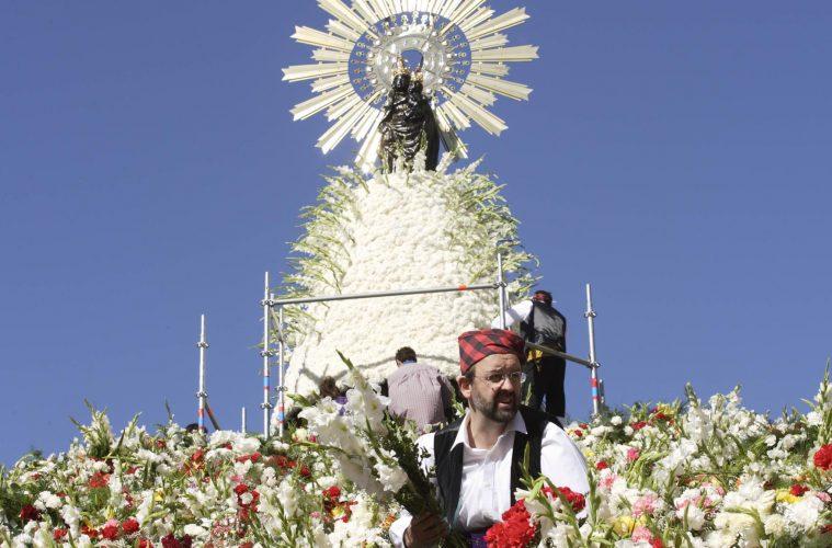 Zaragoza Fiestas del Pilar interes turistico internacional